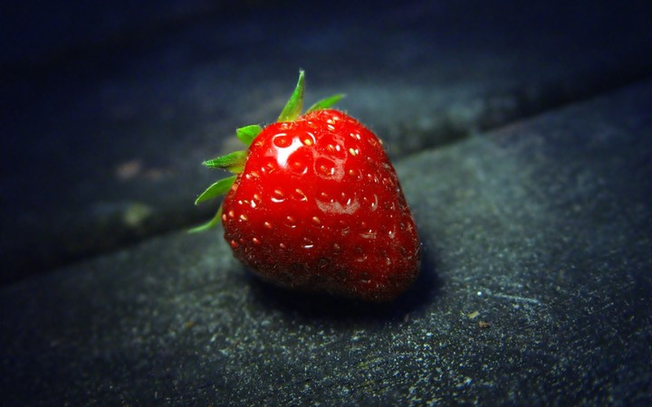A Fresh Red Strawberry hd