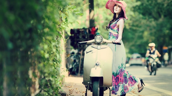 Beautiful Asian Model Spring Vespa Vintage Girl Wallpaper By