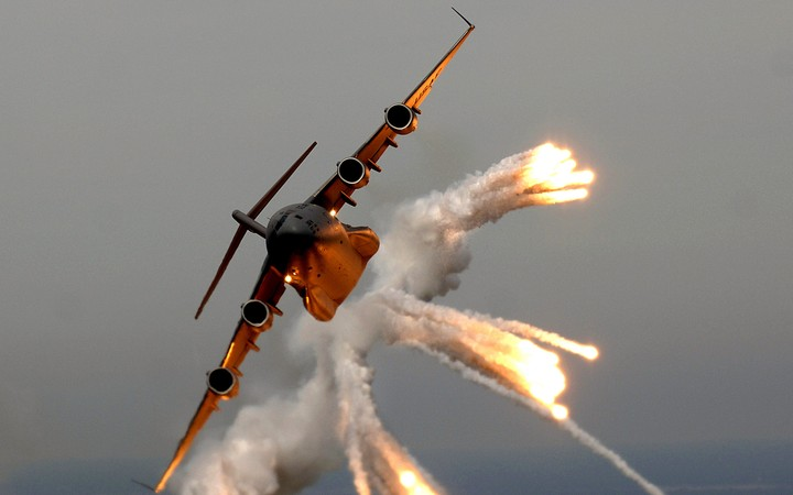 C 17 Globemaster Vehicles Military Flares Aircraft