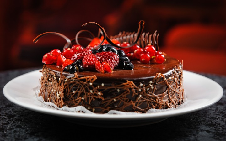 Cake Plate Chocolate Berries Raspberry Blueberry Currant Delicious Dessert