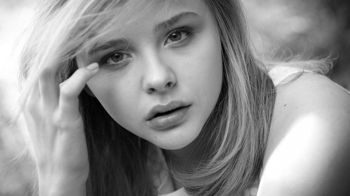 Chloe Grace Moretz Sweet Girl Black White