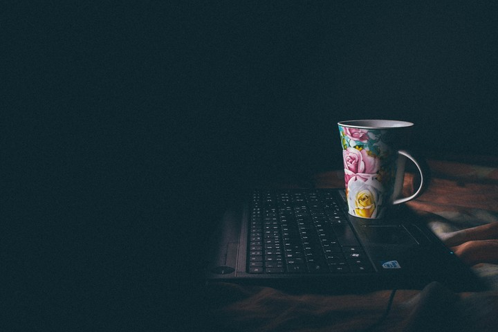 Cup, Laptop, Coffee, Bed