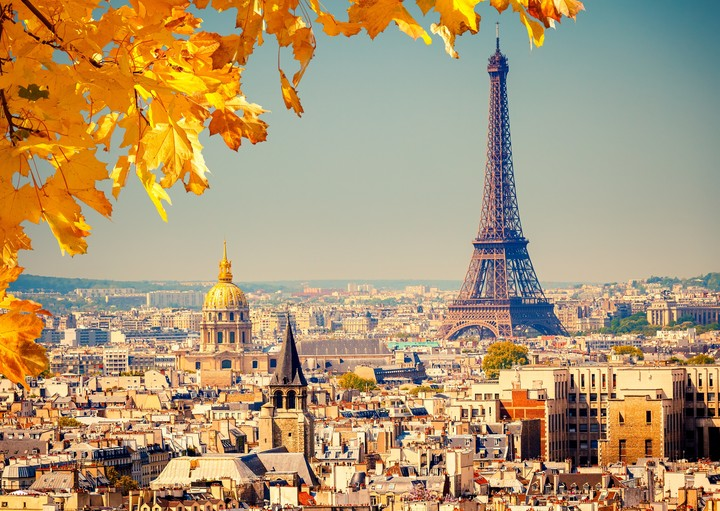 La Tour Eiffel in autumn