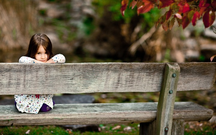 Girl Baby Shop Loneliness Mood Autumn Kid Background