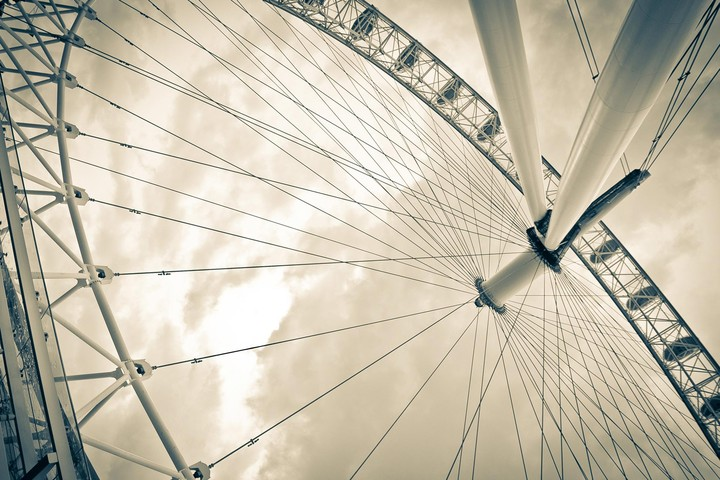 London Eye From Beneath By Fernando Garc A