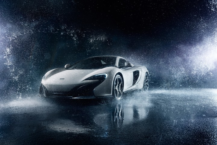 McLaren 650S Supercar White Front Frozen Water Ligth