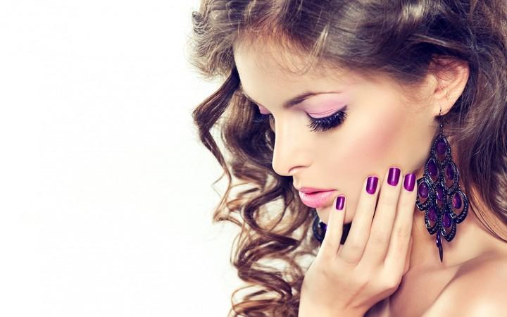 Model Makeup Hair Face Hand Nail Polish Earrings Background ...