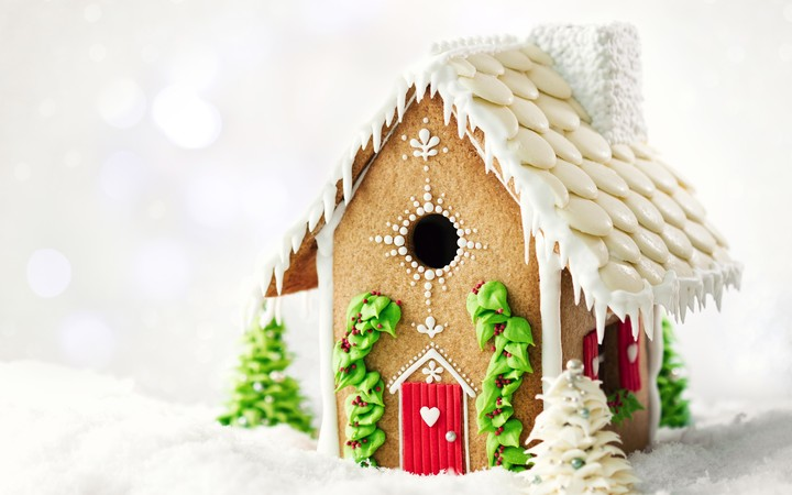 Christmas Gingerbread House Background.The Sweet Christmas Gingerbread House Wallpaper By