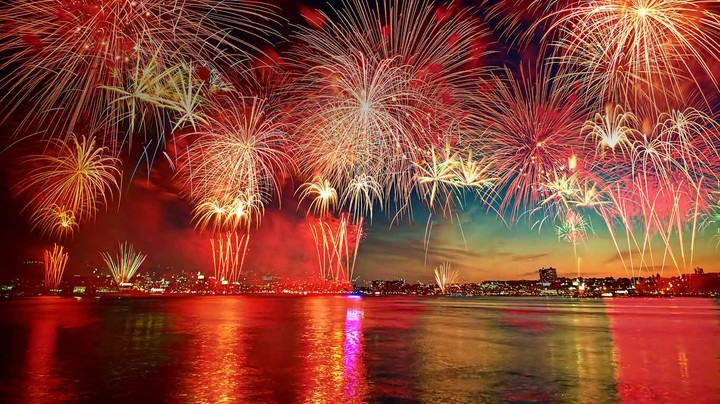 Display of fireworks in New York City as seen over the Hudson River from Hoboken, New Jersey