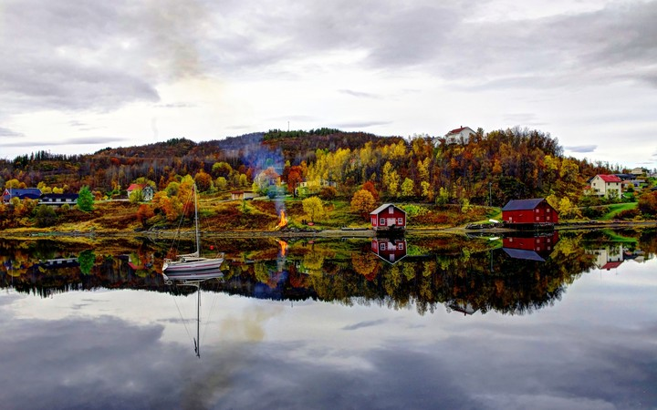 River Norway In Autumn