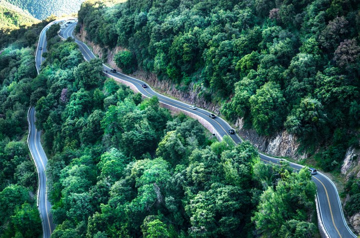 Road In Mountain Landscapes Images