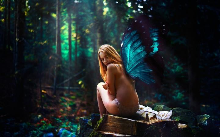 фотографииголые девушки в осеннем лесу
