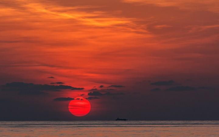 Sunset Red Sun Ship Sea Wallpaper By Hoantube2014