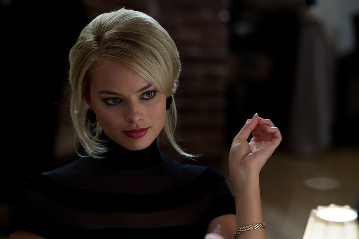 Margot Robbie Hd Wallpaper By Chococruise Revelwallpapersnet