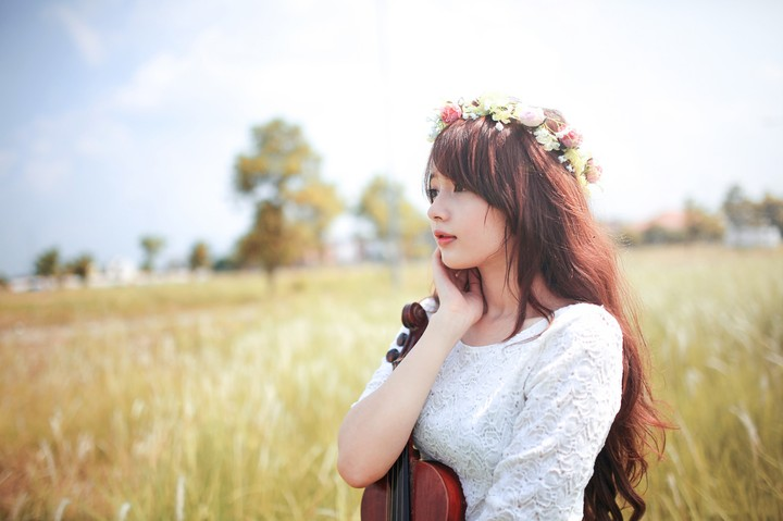 Http Revelwallpapers Net W Zkameauockw6fpgpsimmoh Violin Girl Wallpapers Html