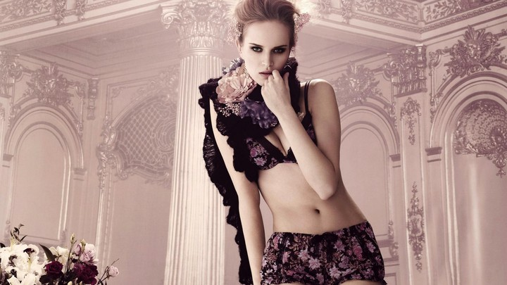 Women Lingerie Fashion 2013 HD